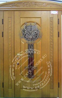 Двухстворчатые металлические двери со стеклом